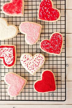 Lofthouse Style Sugar Cookies {Cutout Version}