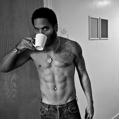Lenny Kravitz having a coffee