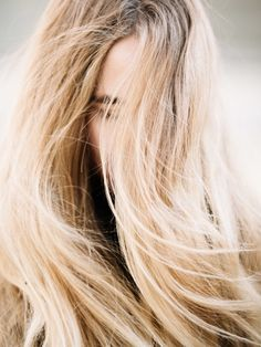 Tips and advice for getting seriously healthy, shiny, strong hair. Coconut Oil Beauty, Hair Masque, Hair Reference, Luxury Hair, Prevent Hair Loss, Split Ends, Strong Hair, Fashion Mode, Shiny Hair