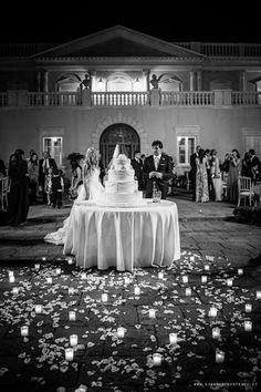 Finally the wedding cake! #villalalimonaia
