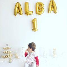 Retour sur le premier anniversaire d'Alba: conseils, idées, déco, DIY, recettes... Tout pour un premier anniversaire au top ! Bebe 1 An, First Birthdays, Baby Boy, Happy Birthday, Halloween, Florence, Lol, Sport, Happy Brithday