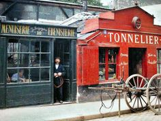 Rare Color Photography of Early 1900s Paris