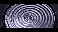 Speaker Dish by #NigelStanford #Cymatics Un plato en la parte superior de un altavoz para conseguir un efecto visual real   #NoSóloTendencias Enlace kcy.me/1qarc