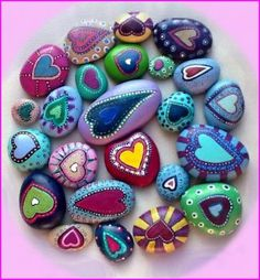painted heart-shaped stones (132 pieces)