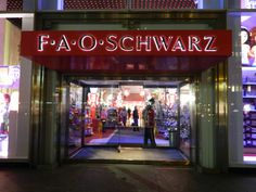 A classic must-visit: FAO Schwarz toy shopping in NYC!