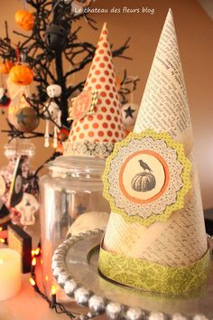 Our Halloween #paper #crafts party. Decorating a party with paper.