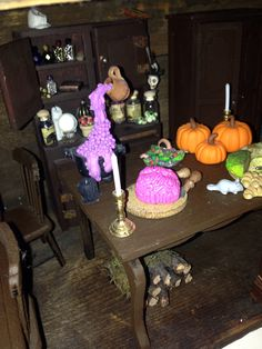 Witches table - I made most of the items from polymer clay Haunted Dolls, Haunted Houses, Diy And Crafts, Arts And Crafts, House Made, Witches, Dollhouse Miniatures, Pallet, Polymer Clay