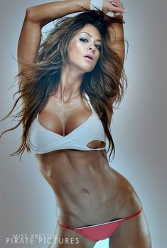 WBFF Bikini Pro Laura Michelle Prestin Talks Simplyshredded.com [Updated 2012] | SimplyShredded.com