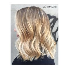 """• E C A I L L E • Creamy blonde Balayage + Wavy long bob = some serious #HairEnvy • Colour and cut by me @samantha.cusick adding @olaplex to keep hair…"""