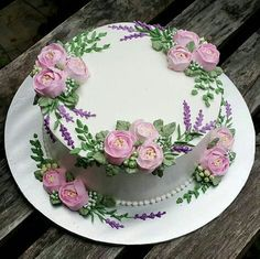 Birthday Cake Pictures – Very Good Abi – pastalar – … - Cake Decorating Square Ideen Pretty Cakes, Beautiful Cakes, Amazing Cakes, Cute Cakes, Cake Decorating Techniques, Cake Decorating Tips, Buttercream Decorating, Decoration Patisserie, Buttercream Flower Cake