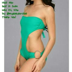 HPBody Glove Monokini Adjustable back ties for a perfect fit. Underwire provides support and lift. Stylish rings at hips. Logo heart adorns the back waist. Cheeky rear coverage.  80% Nylon/20% Spandex Removable Straps Included Color: emerald Goes back to $80 Also available in blue. See other listing. Body Glove Swim One Pieces