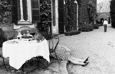 Pausa di lavoro (Work Break), Gianni Berengo Gardin, 1987 [Gelatin silver print]