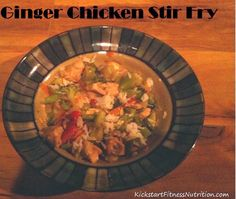 Ginger Chicken Stir Fry - clean eating recipe with sweet and spicy flavor to please any picky eater. #cleaneating #eatclean #cleanrecipes #healtyrecipes