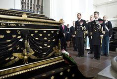 royalwatcher:  Crown Prince Haakon of Norway and Crown Prince Frederik of Denmark laid wreaths at Christian VIII's coffin for the commemoration of Roskilde Cathedral in connection with the 200th anniversary of the Norwegian Constitution, May 23, 2014.