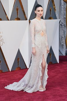 Rooney Mara de Givenchy en la alfombra roja de los Oscar 2016. #Oscars2016
