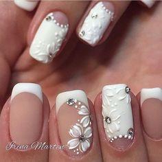 Punta ovalada con francés corto sonrisa marcada anular blanco con Luna y flores a mano alzada