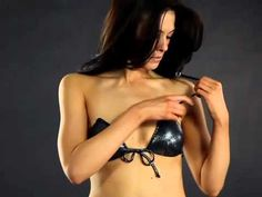http://HollywoodRock.com.mx  Descubra el primer bikini elegante, lo suficientemente innovador para permanecer en el lugar correcto sin las correas, y poner fin a las poco atractivas líneas de bronceado.