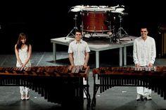 """La música contemporánea llega este viernes al Auditorio de Teror con """"Tak-Nara 2.0""""  El Auditorio de Teror presenta este viernes, 10 de mayo, a las 20.30 horas, el espectáculo de percusión 'Tak-Nara 2.0', un divertido y singular espectáculo audiovisual de Tak-Nara Percusión Group en el que instrumentos de percusión habituales como la marimba, los platillos o el bombo y, otros no tan habituales como utensilios de cocina y menaje..."""