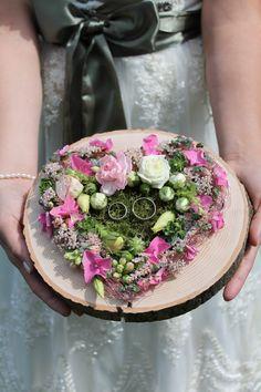 Ringkissen aus Holz für Hochzeit