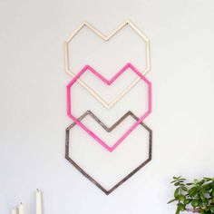 Geometric Heart DIY Wall Art--With Popsicle Sticks! geometric heart diy wall art with popsicle sticks, crafts, seasonal holiday decor, valentines day i Rustic Wall Art, Diy Wall Art, Diy Wall Decor, Diy Art, Paper Wall Art, Room Decor, Craft Stick Crafts, Decor Crafts, Diy Crafts