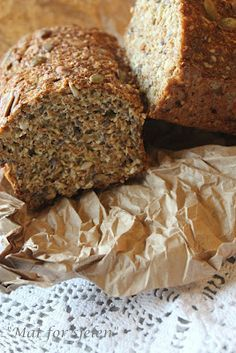 Mat for sjelen.: Lavkarbo Grovbrød av ting du får tak i. Ketogenic Recipes, Raw Food Recipes, Bread Recipes, Low Carb Recipes, Cooking Recipes, Norwegian Food, Vegan Sugar, Low Carb Bread, Bread Baking