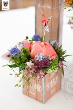 wine box flowers