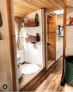 caravan renovation 712905816002757864 - Untitled Source by School Bus Tiny House, School Bus Camper, Bus Living, Tiny House Living, Rv Homes, Tiny Homes, Kombi Home, Van Home, Bus Conversion