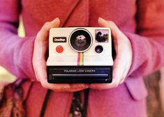 Mon premier Polaroid... J'avais 10 ans!  mildredmildred:    (by rachelwinslow)    I soooo wish I still had my moms polaroid!