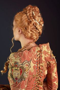 Back view of my finished Cersei Lannister Purple Wedding Cosplay! I love this pic so much, as it showcases the embroidery and the wig work Photo taken b. Cersei Lannister Game of Thrones Cosplay Back Vintage Hairstyles, Easy Hairstyles, Wedding Hairstyles, 1940s Wedding Hair, Trendy Wedding, Game Of Thrones Cosplay, Flower Braids, Cersei Lannister, Daenerys Targaryen