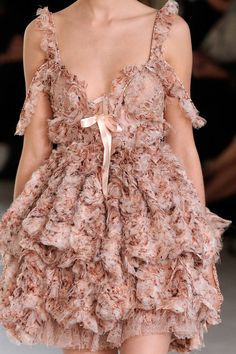 Romantic  Ruffles    Alexander Mcqueen Spring - Summer 2012 Fashion