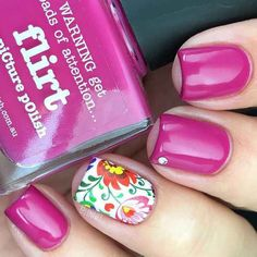 21 Gorgeous Floral Nail Designs for Spring: #10. FLORAL ACCENT NAIL