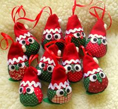 Christmas Owls, Christmas Ornament Crafts, Felt Ornaments, Christmas Sewing Patterns, Christmas Sewing Projects, Homemade Christmas Decorations, Felt Decorations, Bird Crafts, Diy And Crafts