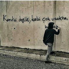 #şiir #şiirsokakta #celep #murat #muratcelep #duvaryazıları Favorite Quotes, Best Quotes, Braveheart, Karma, Sayings, Words, Instagram Posts, Trends, Quote