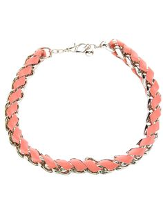 This Chloé necklace is ladylike with just a touch of edginess.Try it on now!  #ViewTry #Fashion