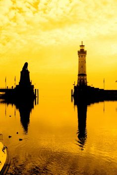 Realflection By Mónica (Monguinhas) on Flickr #Lighthouse #reflection