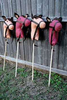 That Village House: DiY Stick Horses [I'm going to use this for Halloween - my husband, our friends and I are going as the Four Horsemen of the Apocalypse]