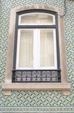 (1) Rua Ferreira Lapa - Lisboa