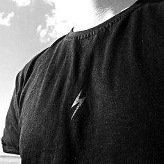 Czarny piorun na czarnej koszulce, czyli CLEANT #noir