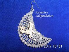 Stoffohrringe - KCA39 handgeklöppelter Single Ohrring mit Hexe - ein Designerstück von Kreative-Kloeppelideen bei DaWanda
