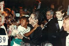 The actress and UNICEF Goodwill Ambassador Audrey Hepburn photographed with the little girl Courtney Childs by John Bartley in Chicago, Illinois (USA), during a gala dinner on behalf of UNICEF, on February Audrey Hepburn Unicef, Audrey Hepburn Children, Audrey Hepburn Quotes, Gala Dinner, Hollywood Icons, Chicago Illinois, Her Style, Famous People, February
