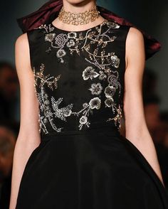Oscar de la Renta Fall RTW 2016 @oscardelarenta // #fashion #art #style #look #runway #couture #lifestyle #detail #moda #details #color #couturefeast #blog #chic #glam #edgy #girly #fashionista #fashionblog #designer #modern #classy #inspiration #hautecouture #trend #accessories #fashionable #flowers #embroidery #oscardelarenta