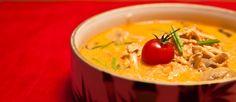 Тайский суп Том Ям с кокосовым молоком, кинзой, лемонграссом, имбирём,лаймом, чесноком