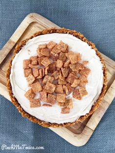 A really simple recipe for No-Bake Cinnamon Toast Crunch Cheesecake