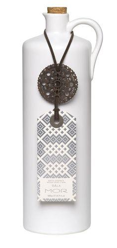 Mor Cosmetics #graphic #packaging #design