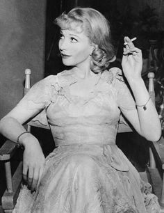 kendrajbean thehappyhypocrite vivien leigh as blanche dubois in  blanche dubois i don t want realism