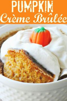 This Pumpkin Crème Brûlée is an upscale dessert that is actually very simple to make at home. Serve it as a fun and delicious alternative to pumpkin pie. Pumpkin Creme Brulee, Pumpkin Pudding, Donut Recipes, Baking Recipes, Dessert Recipes, Dessert Ideas, Thanksgiving Recipes, Fall Recipes, Holiday Recipes