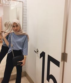 first date outfit Modest Fashion Hijab, Hijab Style Dress, Modern Hijab Fashion, Street Hijab Fashion, Casual Hijab Outfit, Hijab Fashion Inspiration, Hijab Chic, Ootd Fashion, Fashion Pants