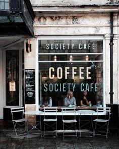 """5,824 """"Μου αρέσει!"""", 59 σχόλια - Alixe ╳ Bath and Beyond (@alixelay) στο Instagram: """"I have a soft spot for window seats and I gravitate towards them in coffee shops, restaurants,…"""""""