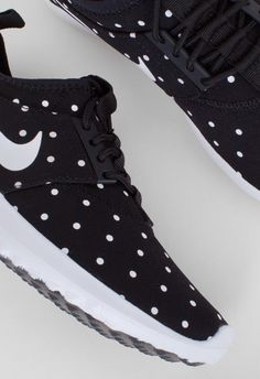 the latest 1800a 0a716 Nike Womens Juvenate Print Black White – Voo Store