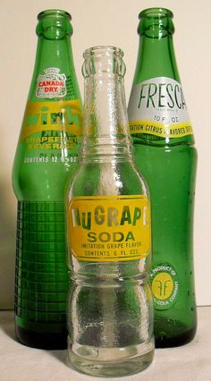 I buy the orig. Fresca at one of our local spainish groc stores taste just the way you remember it Pepsi, Coca Cola, Antique Bottles, Vintage Bottles, Antique Glass, Vintage Perfume, Retro Advertising, Vintage Advertisements, Vintage Ads